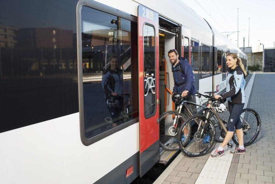 cu bicicleta in tren
