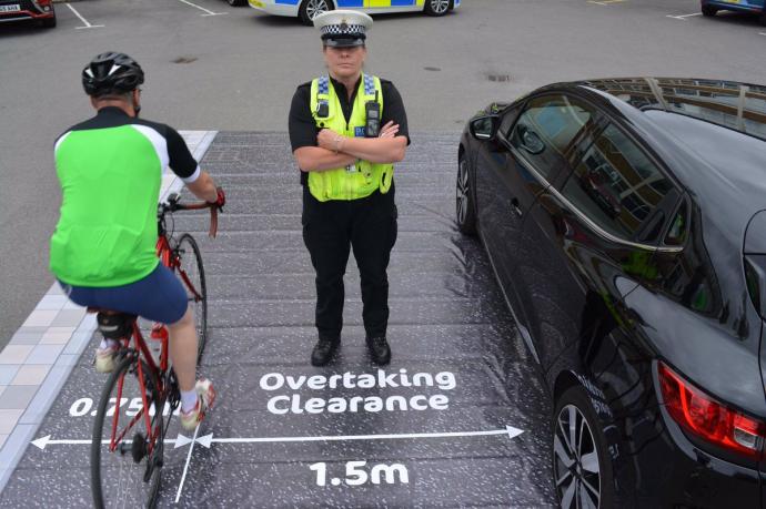 distanta laterala minima la depasire biciclist