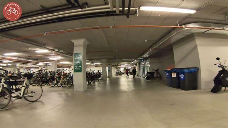 parcare amenajata pentru biciclete