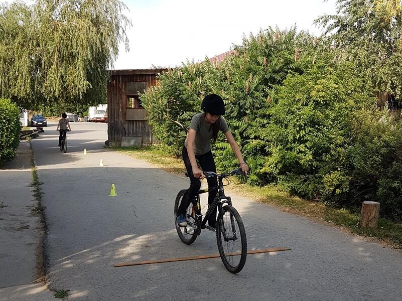 scoala batesaua de pedalare