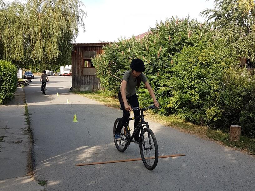 scoala batesaua pedalare